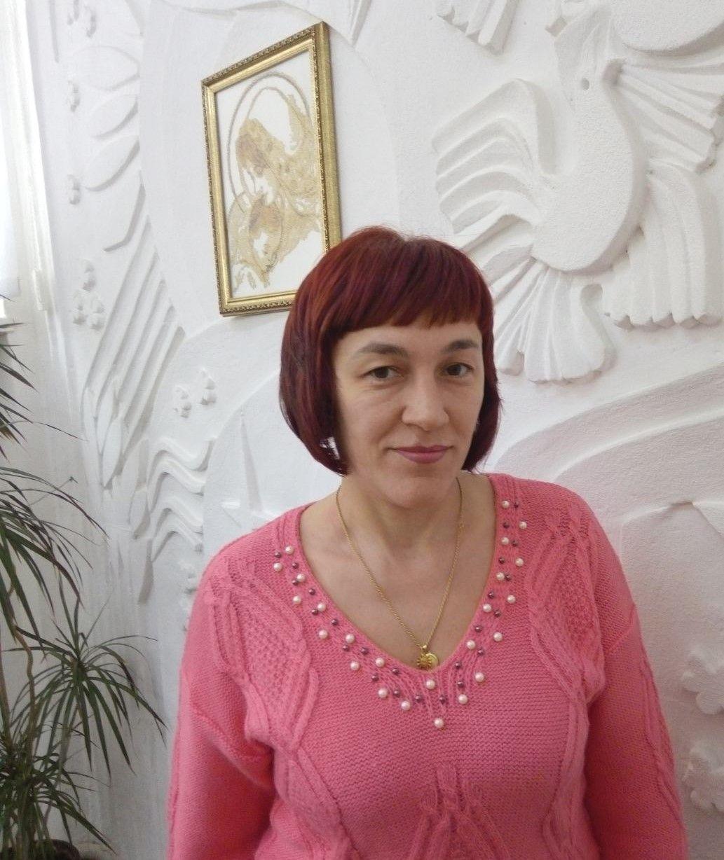 Красношапка Тетяна Василівна.Викладач по класу віолончелі.